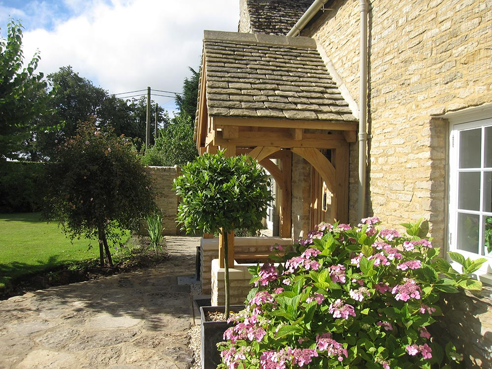 4 Posts 6 Brackets Oak Porch Cottage