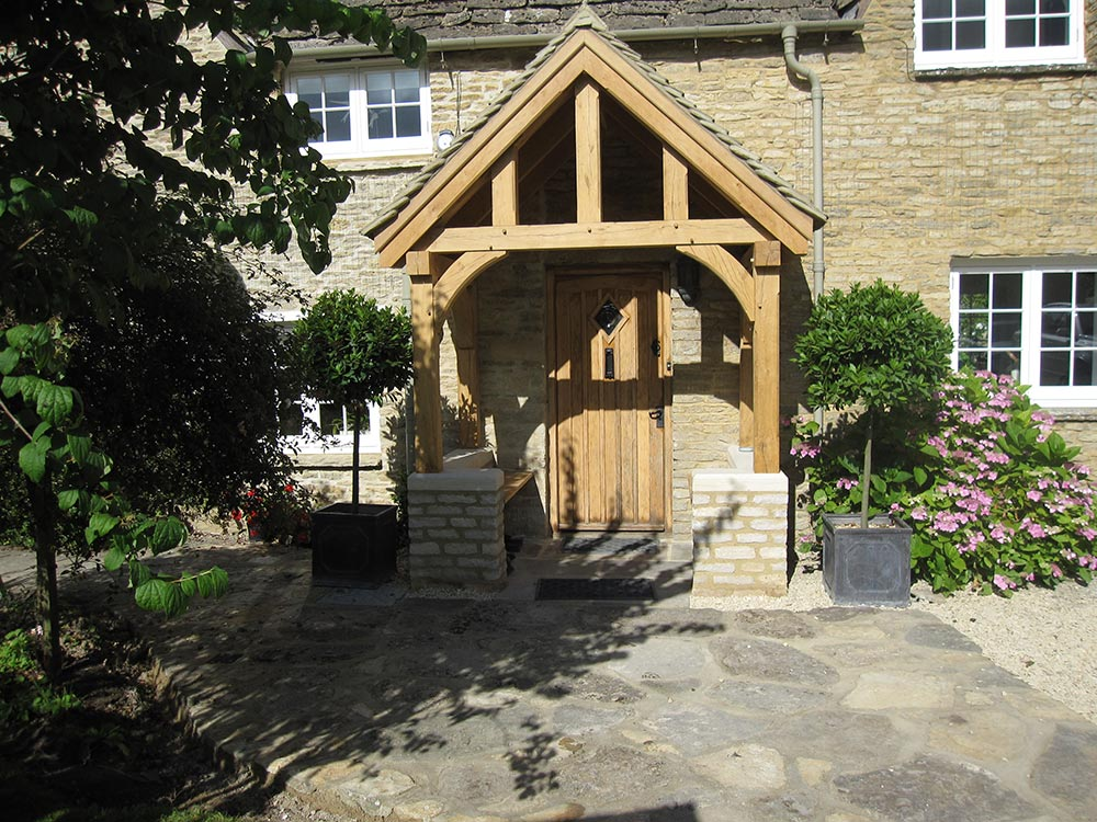 4 Posts - 6 Brackets - Oak Porch - Cottage